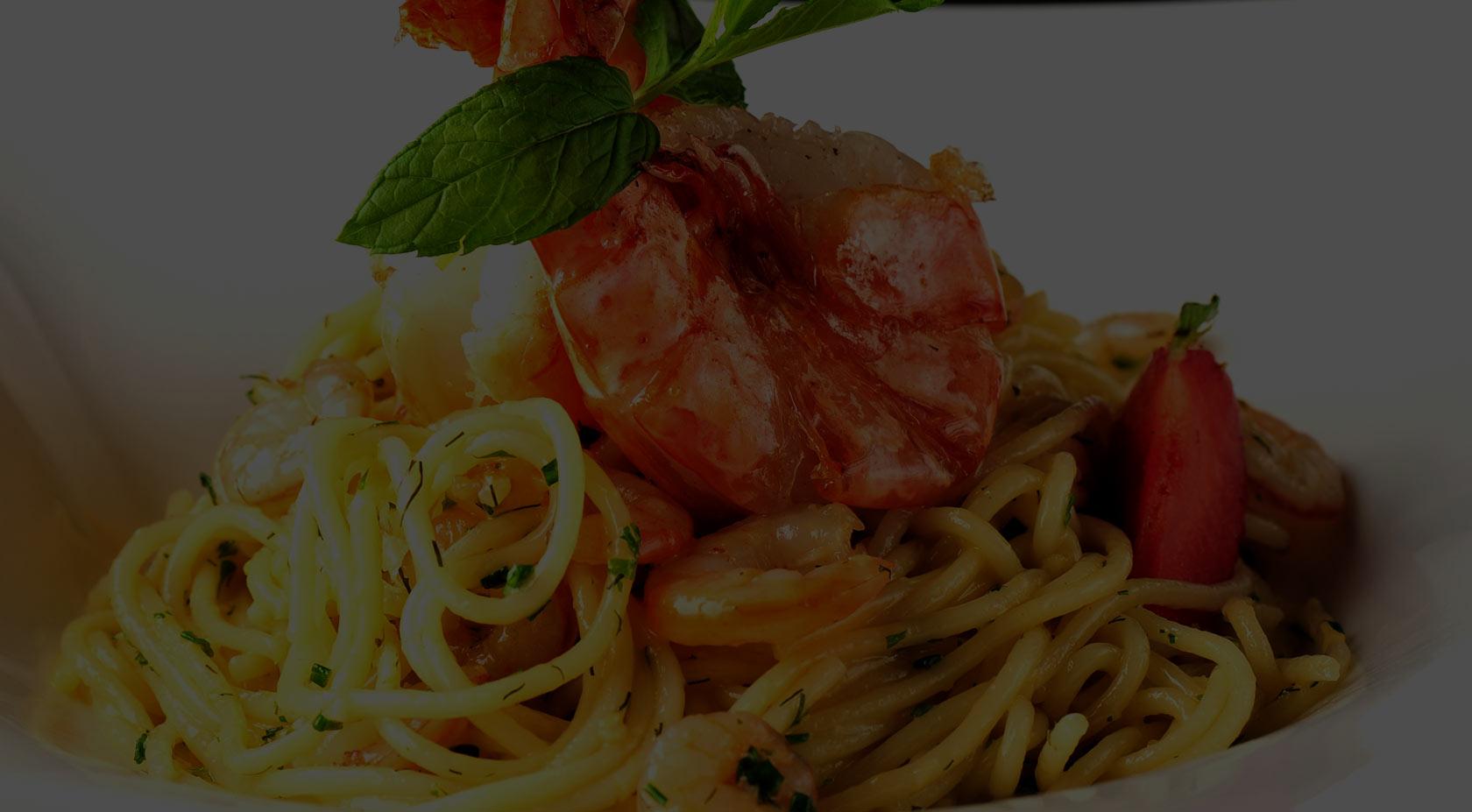 Spaghetti med rejer og rucola